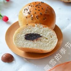 褐麦豆沙餐包