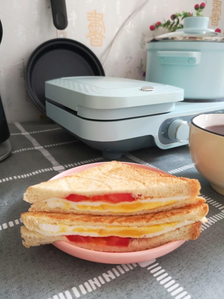 西红柿鸡蛋三明治