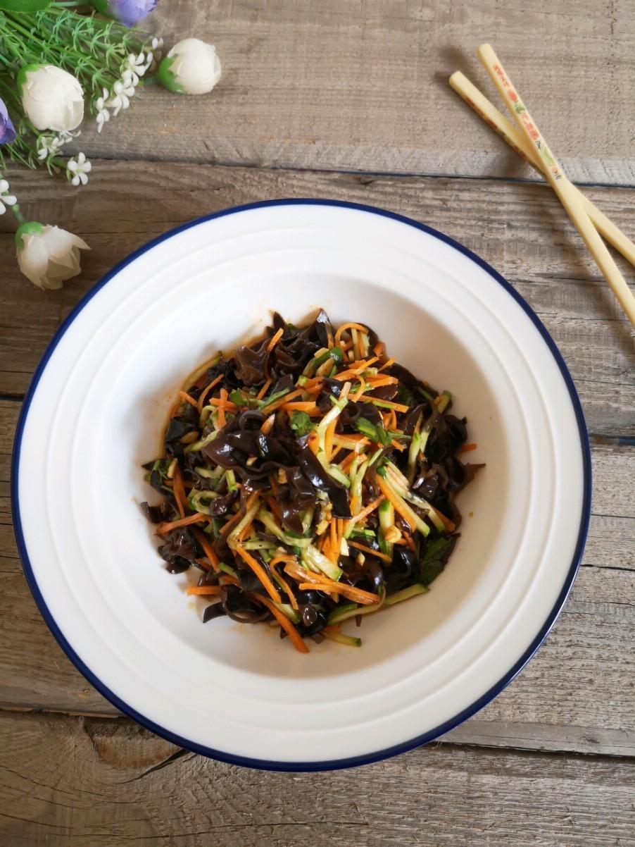 凉拌黑木耳,小满节气养生菜,清凉、祛脂又美味的做法
