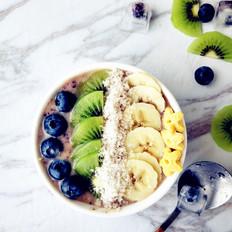 蓝莓猕猴桃香蕉思慕雪