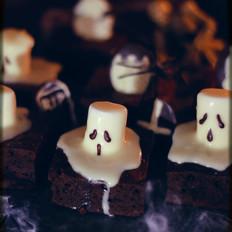 万圣节墓地布朗尼蛋糕