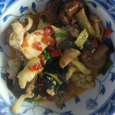 香菇木耳炒鸡