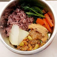 酱香鸡块黑米饭