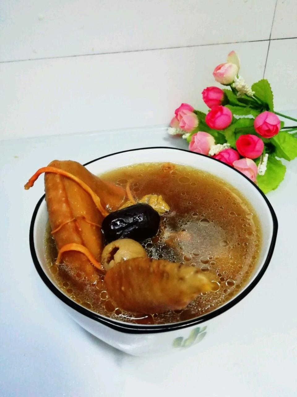 鸡翅煲虫草花汤