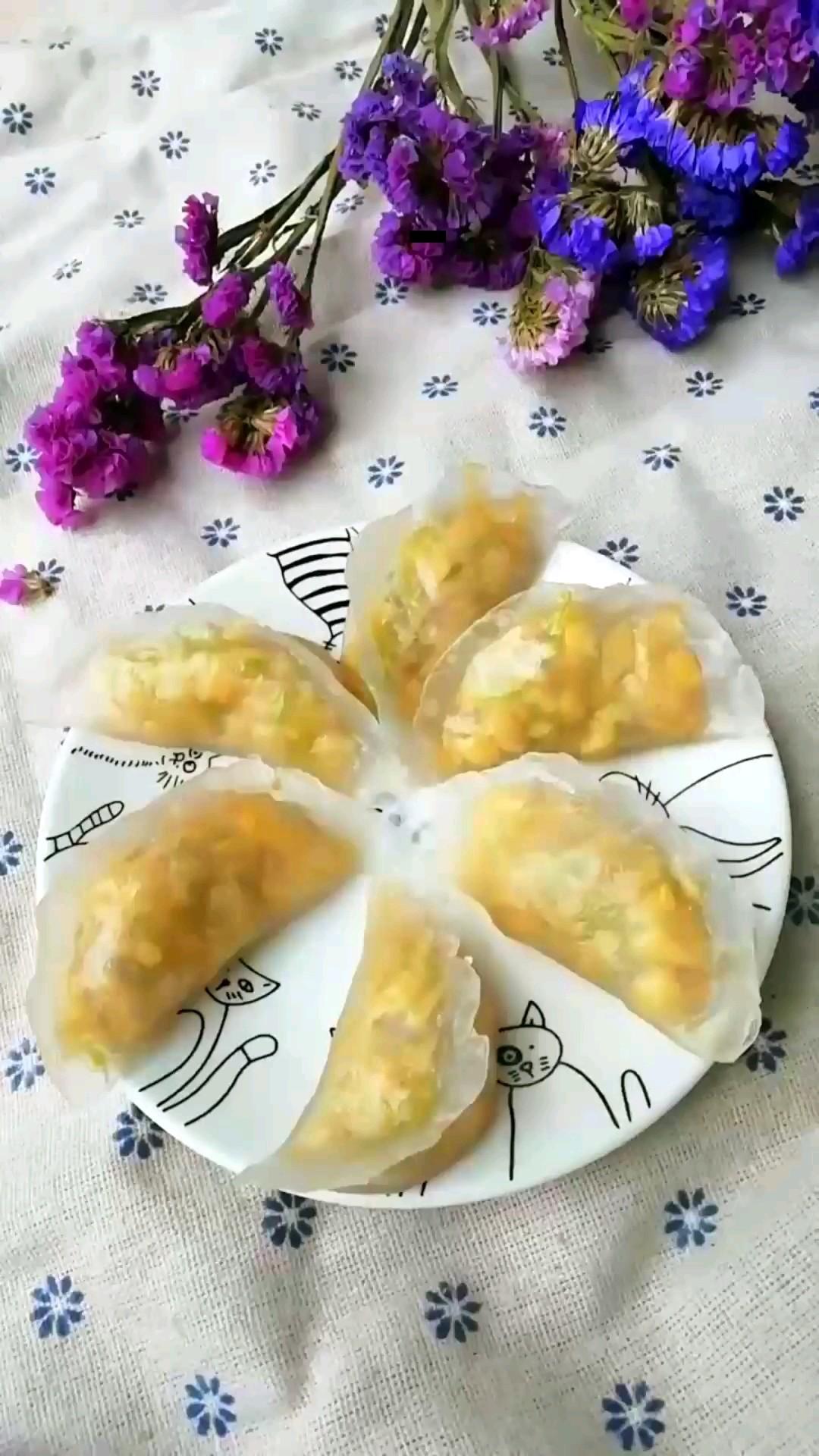 西葫芦鸡蛋馅水晶饺