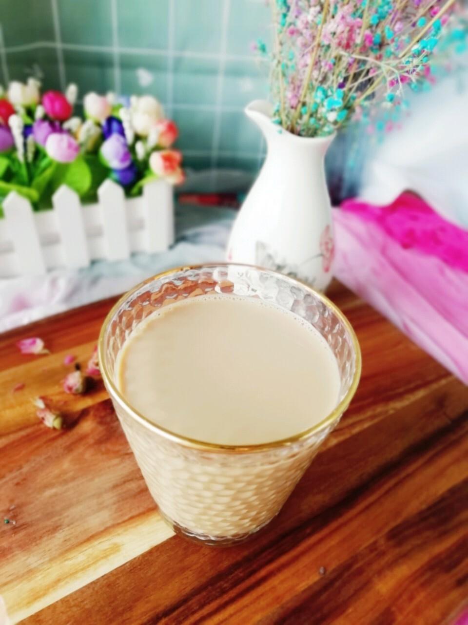 黑糖玫瑰花奶茶