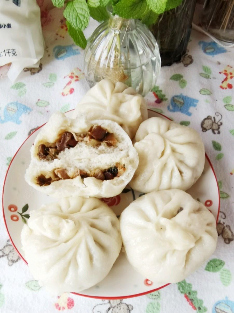 香菇肉丁包