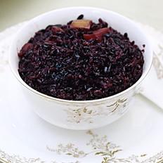 香甜黑米红枣饭