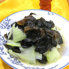 黑木耳炒大白菜梗