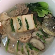 营养藕片鲫鱼豆腐汤