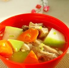 双色萝卜羊骨汤
