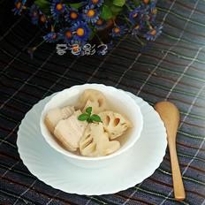五花肉炖莲藕汤