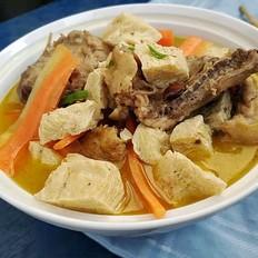 鸡骨架炖豆腐