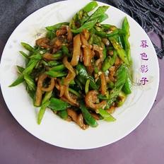 辣椒炒猪肉皮