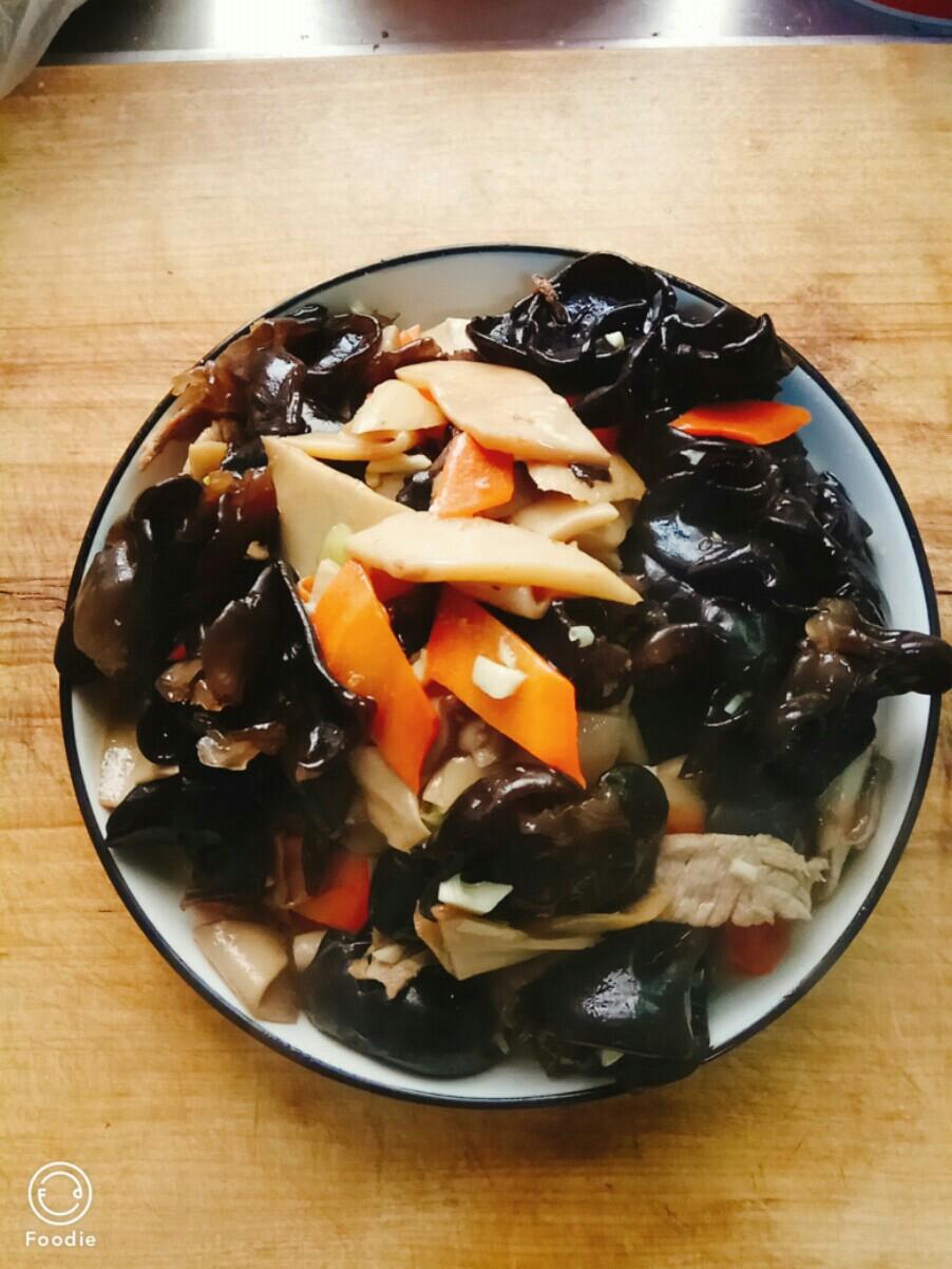 木耳杏鲍菇