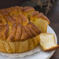 Cinnamon Sugar Pull-Apart Bread肉桂手撕面包