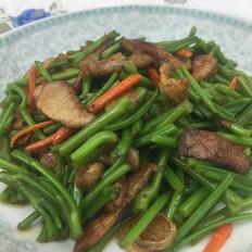 猪肉炒红薯梗