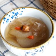 滋润去燥的银耳雪梨汤-——电炖锅食谱