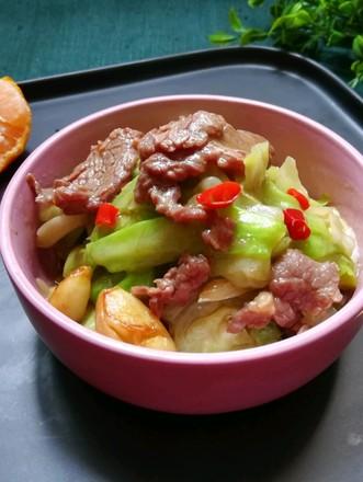 牛肉炒包菜的做法