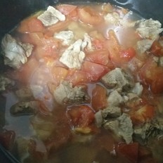 不加一滴水的西红柿牛肉汤