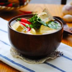 扒皮鱼豆腐汤