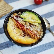 养生减肥甜:鲜果黑糖燕麦粥