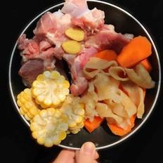 红萝卜花胶骨头汤