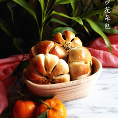 红豆沙花朵包