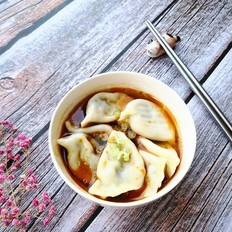 带汤的水饺