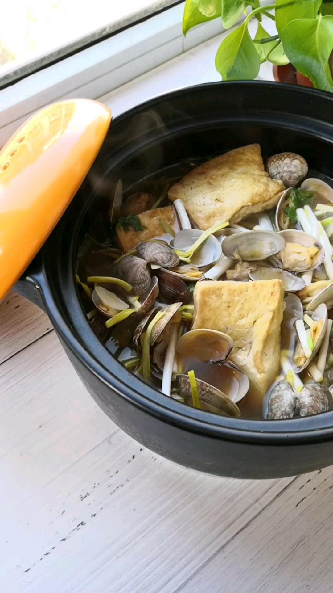 花蛤豆腐锅