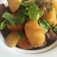 牛腩炖土豆