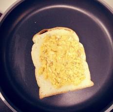 芝士鸡蛋三明治
