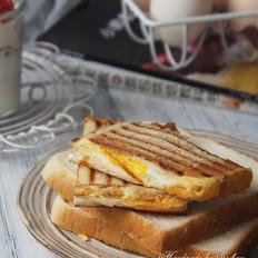 鸡蛋芝士热三明治