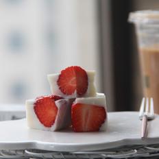 日式草莓奶冻