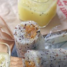 咸蛋黄肉松藜麦饭团