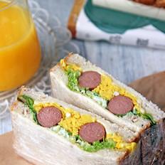 牛肉肠鸡蛋三明治