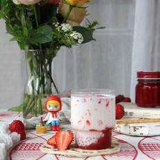 草莓西米鲜牛乳