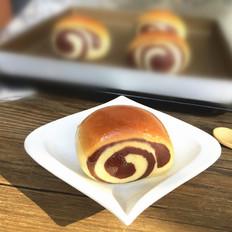 可可双色蜂蜜面包卷