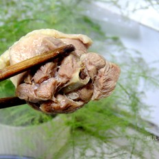 鸡块炖蘑菇