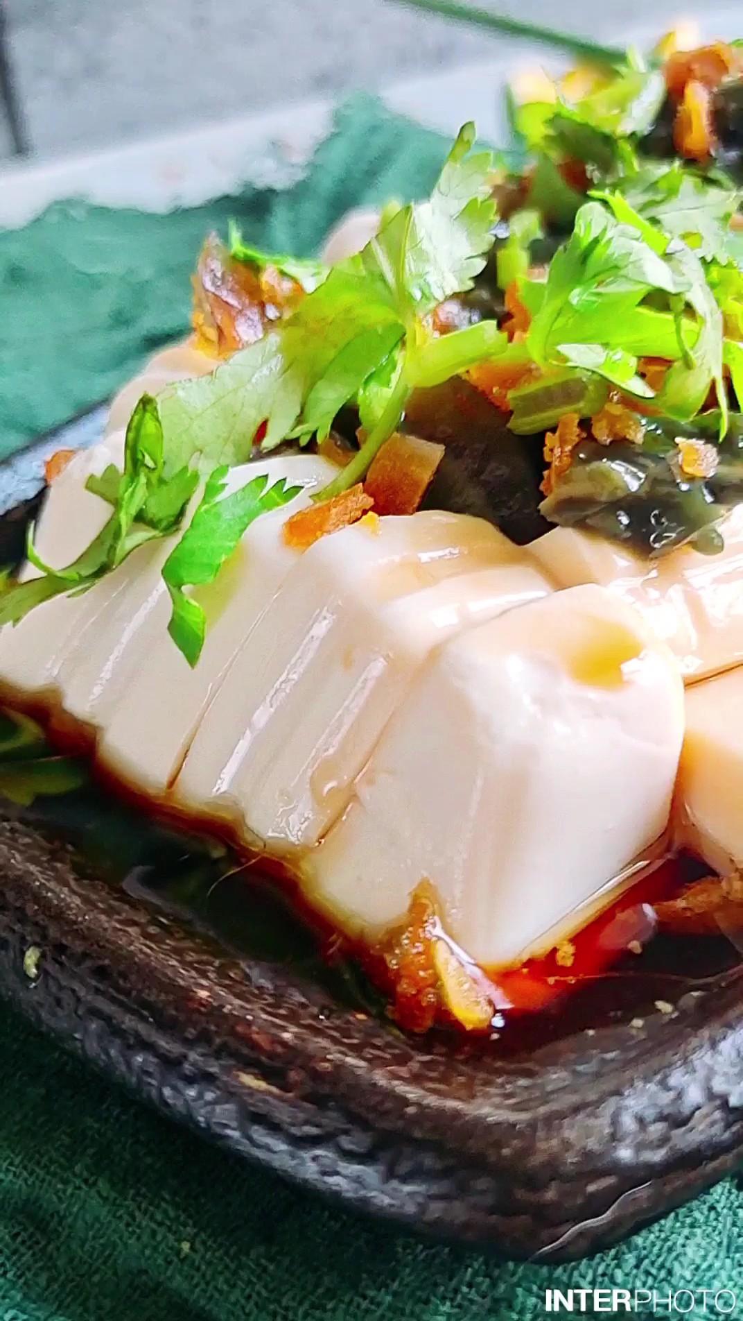 #豆腐的神仙做法#蛋黄皮蛋拌豆腐