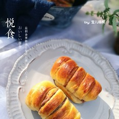 蜂蜜豆沙面包