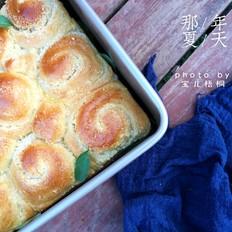 椰蓉稣粒面包