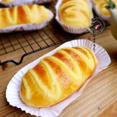 毛虫奶酪小面包