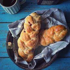 砂糖蔓越莓辫子面包