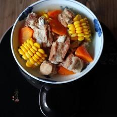 玉米红萝卜排骨汤