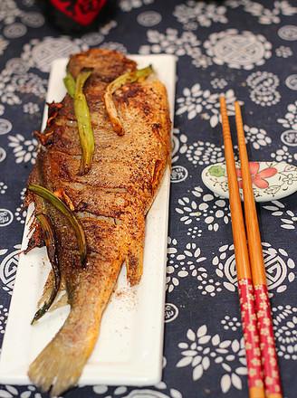 葱香椒盐黄鱼的做法