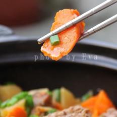 香菇红萝卜土豆炖排骨