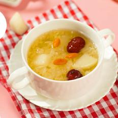 电饭煲养颜银耳梨汤