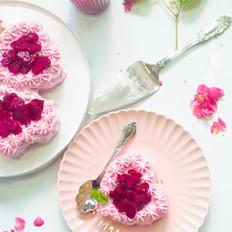 火龙果奶油糯米蛋糕