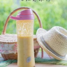 健康无添加的芒果奶昔